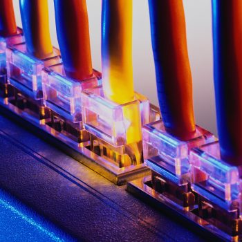 port - پورت - کابل - شبکه - مرکز داده - Port - data - data center - HTTP- HTTPS - FTP -DNS- Transport - data link - network - پورت 443 - پورت8
