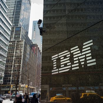 شرکت آیبیام - IBM - سرور - server - فنآوری آمریکایی - اولین کامپیوتر سازی جهان - computer